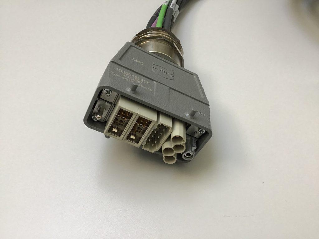 Conector Harting confeccionado