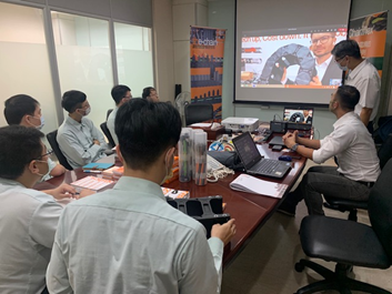 Live visit from Taiwan to the virtual igus trade show